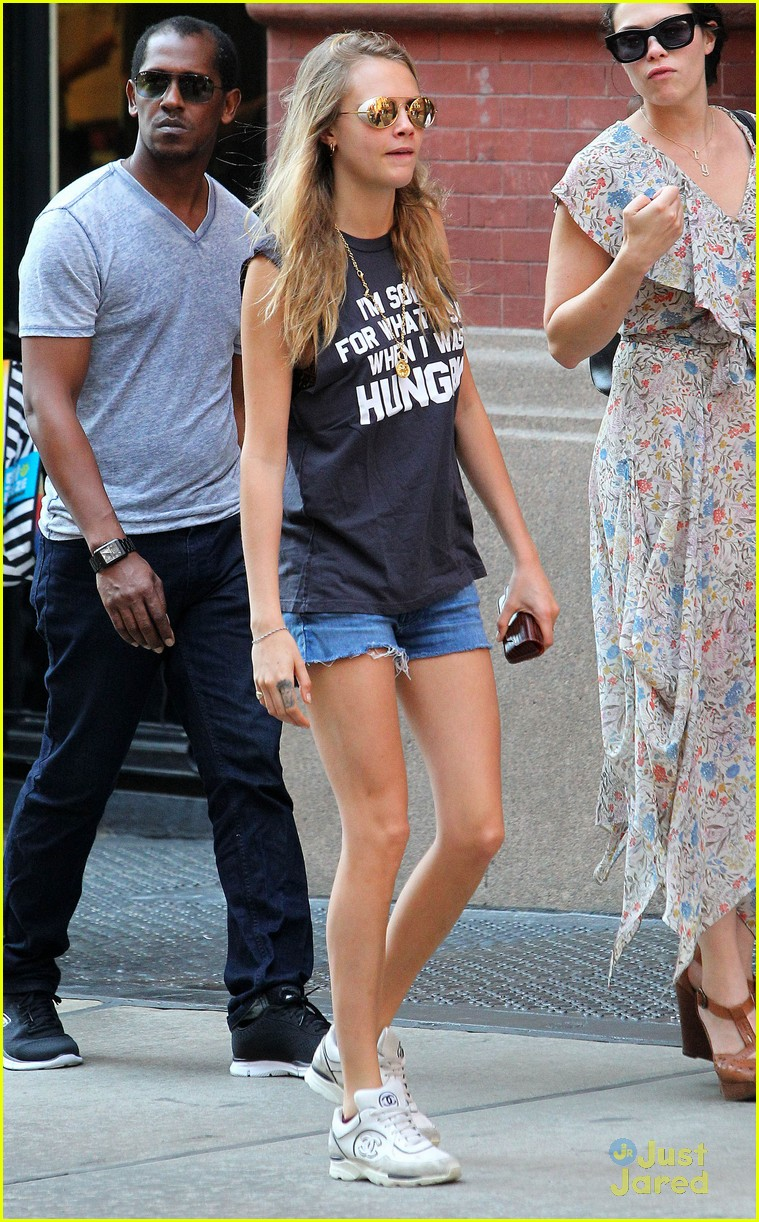 cara delevingne sorry for what said hungry 03