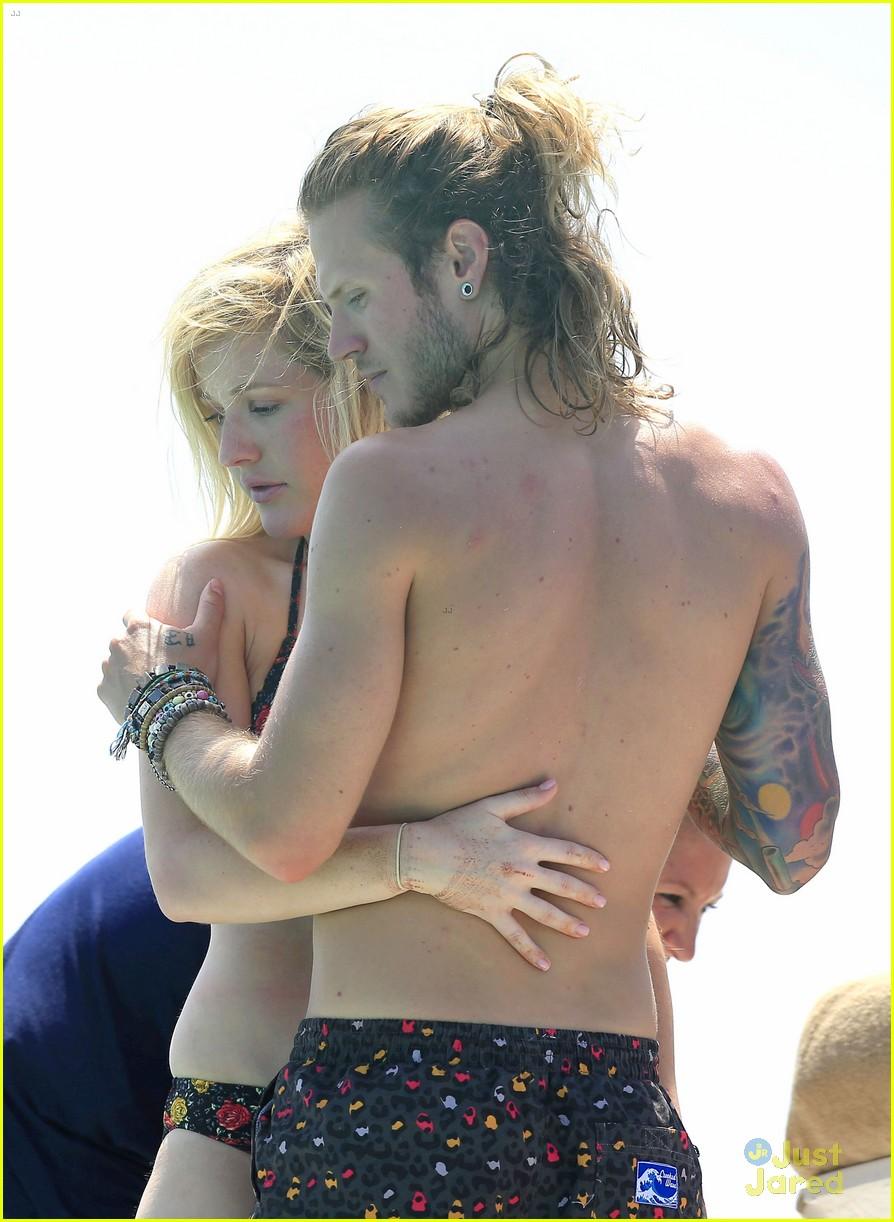 ellie goulding dougie poynter bikini vacation ibiza 34