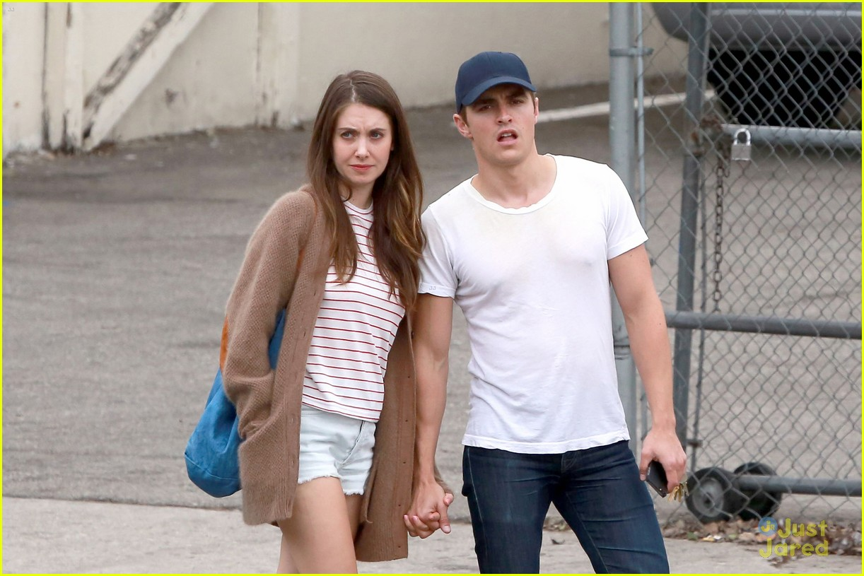 Paparazzi Alison Brie nudes (82 photo), Sexy, Is a cute, Twitter, legs 2006