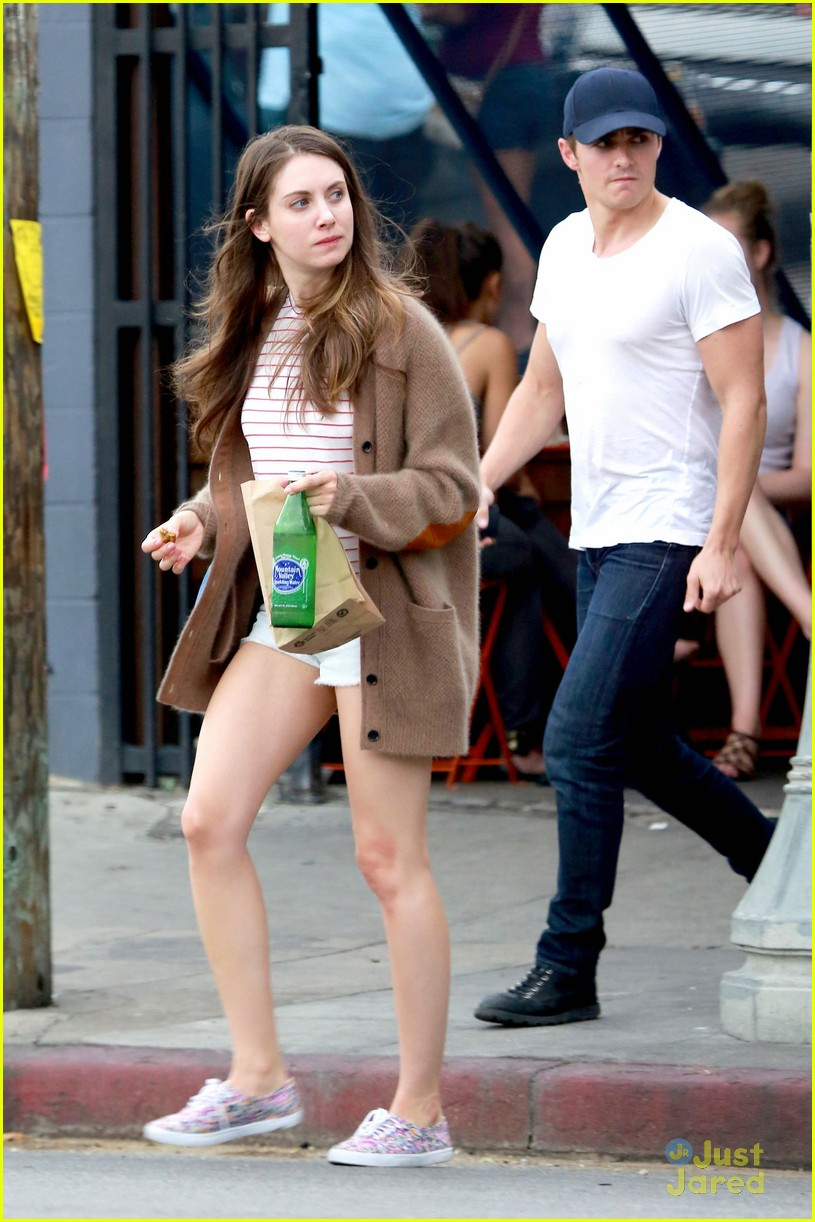 How long has dave franco and alison brie been dating for a year