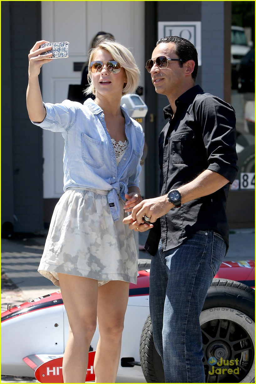 julianne hough helio castroneves selfie before race 01