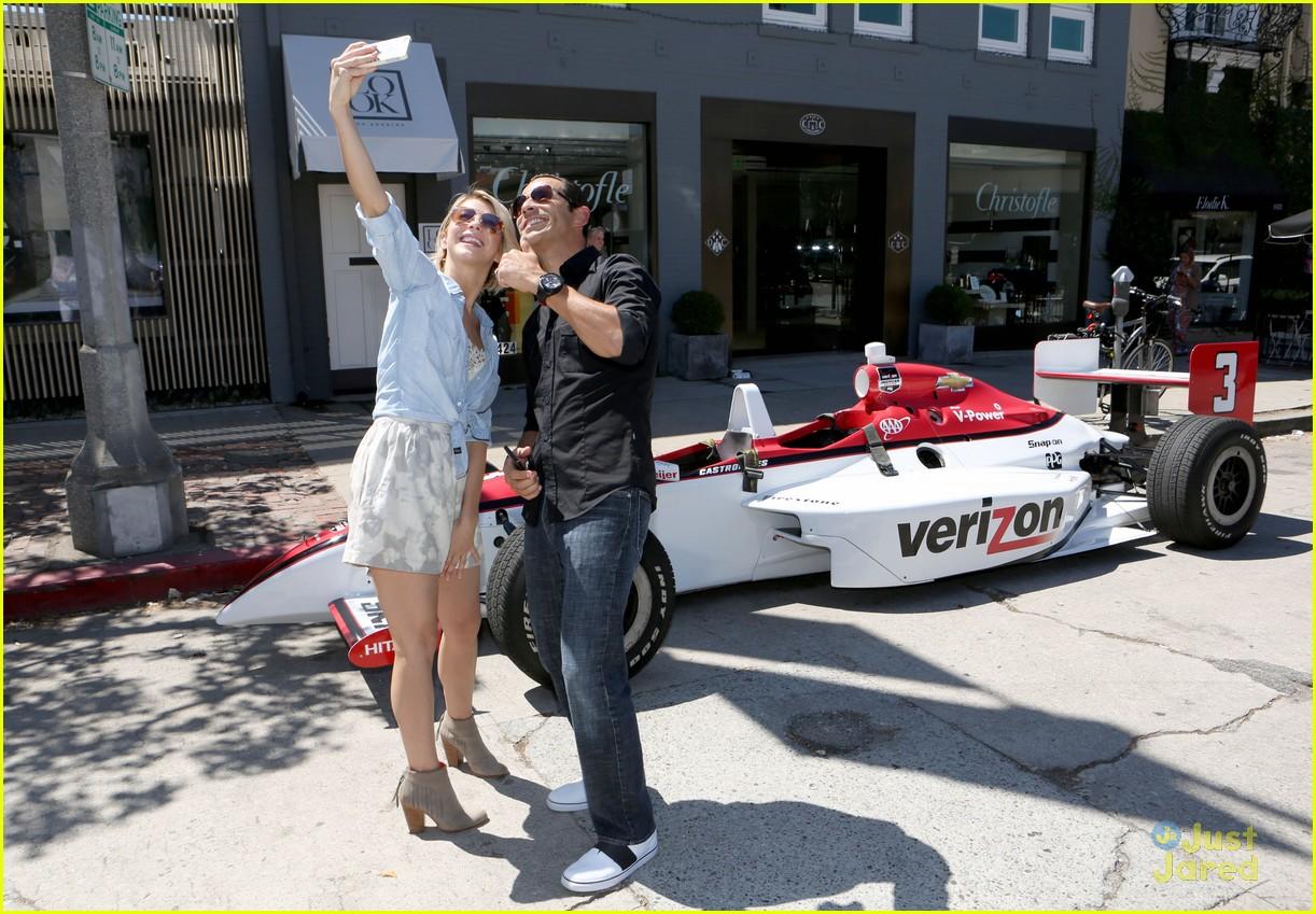 julianne hough helio castroneves selfie before race 04