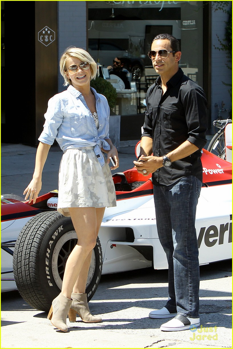 julianne hough helio castroneves selfie before race 06