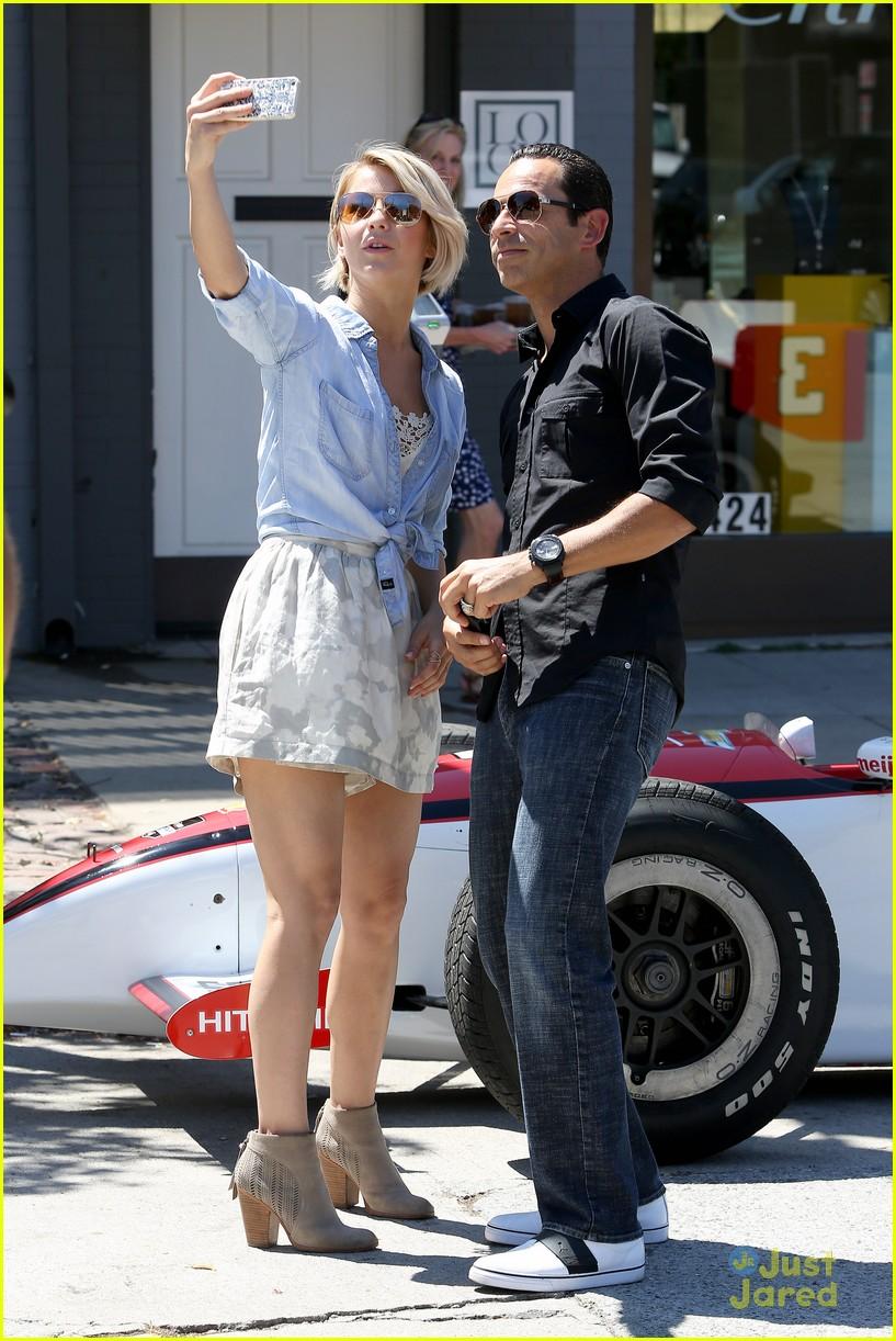 julianne hough helio castroneves selfie before race 15