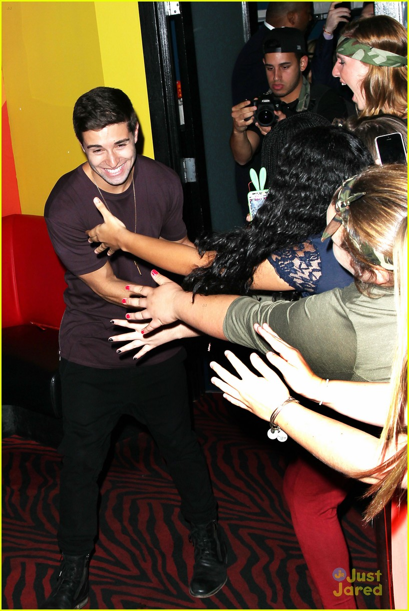 Youtube Rapper Jake Miller Causes Chaos At Planet Hollywood Drops