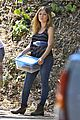 jennette mccurdy dont like shade sun outside 01