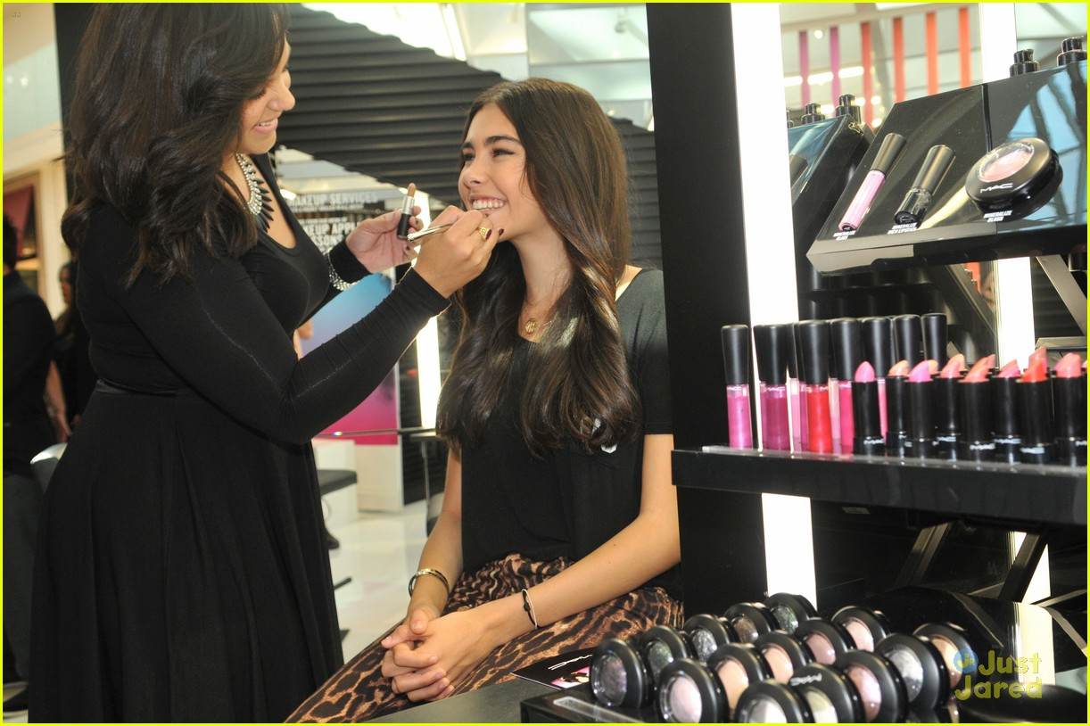 madison beer mac store appearance orlando 05