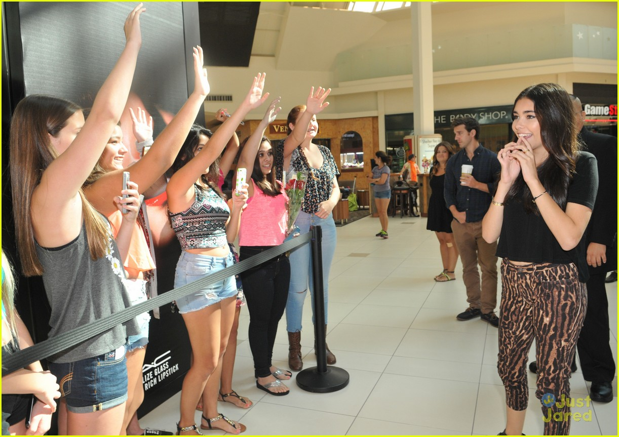 madison beer mac store appearance orlando 07
