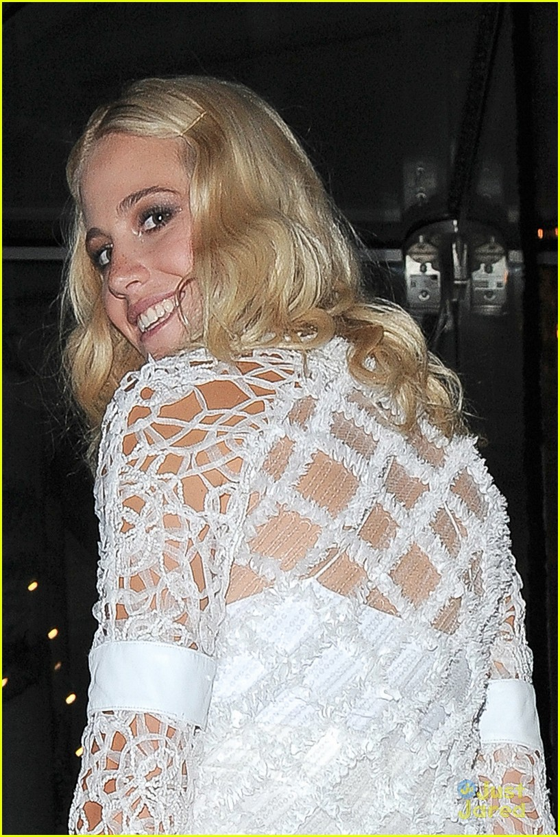pixie lott outfit switch album launch performance 17
