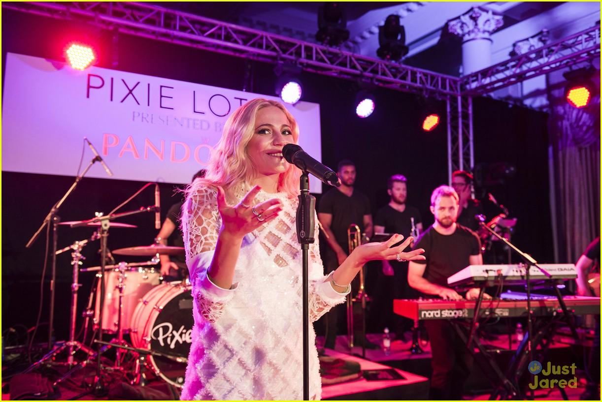 pixie lott outfit switch album launch performance 28