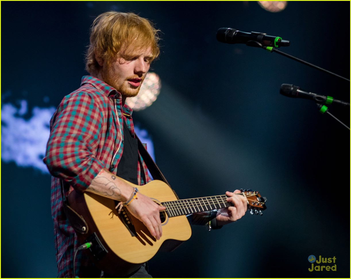 ed sheeran las vegas performance 14