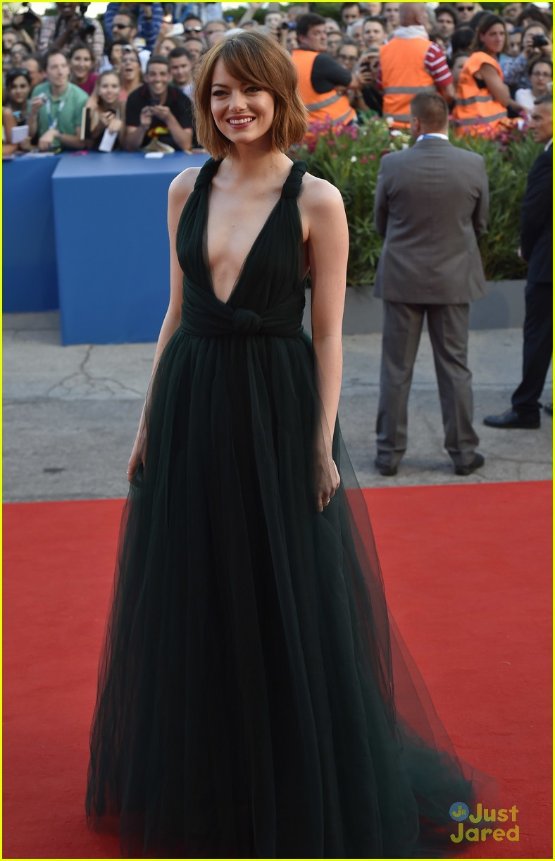 Emma Stone Premieres Birdman In A Low Cut Dress Photo