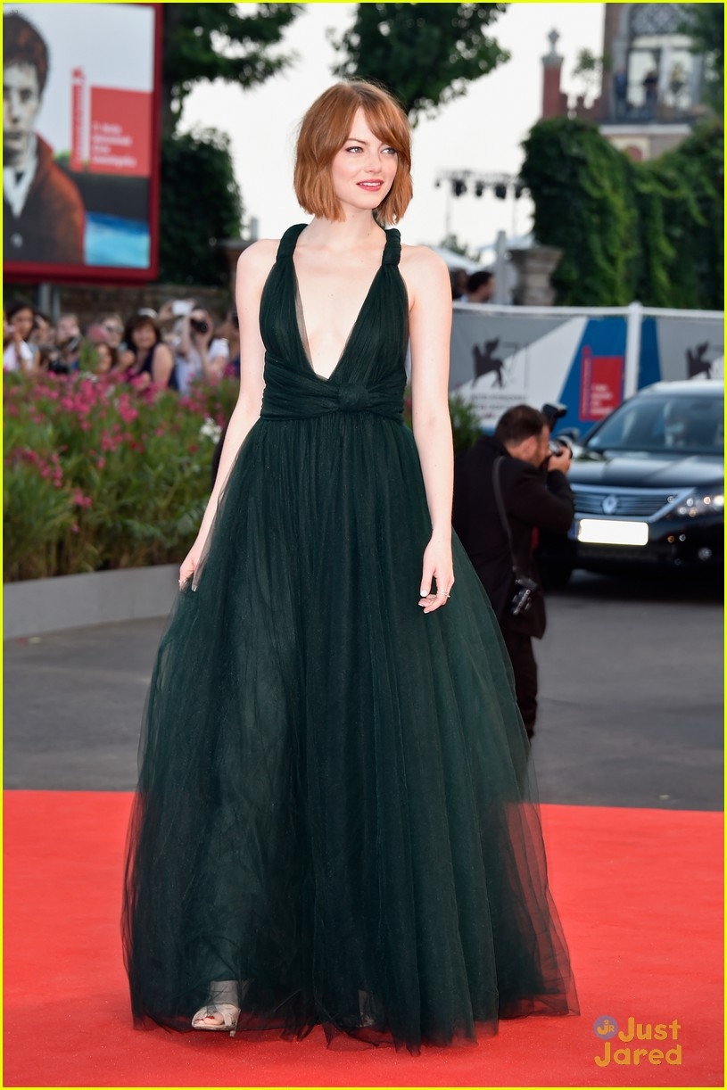 emma stone low cut dress for birdman venice premiere 06