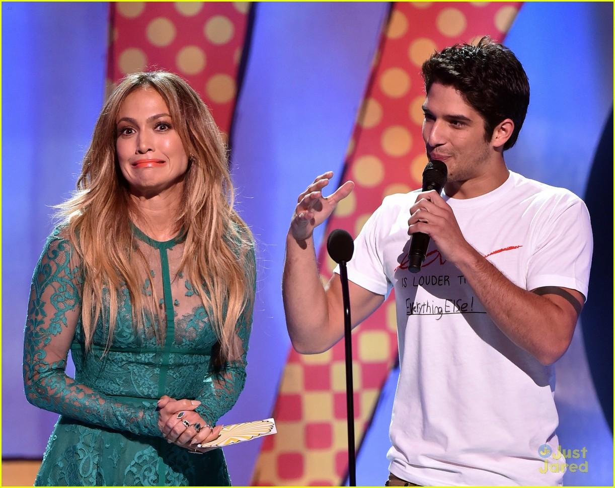 tyler posey jennifer lopez reunion teen choice awards 11