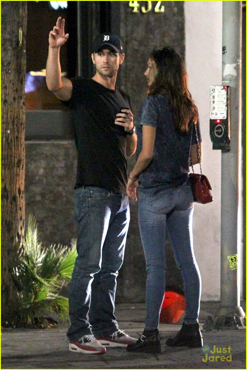 chace crawford rachelle goulding hold hands 01