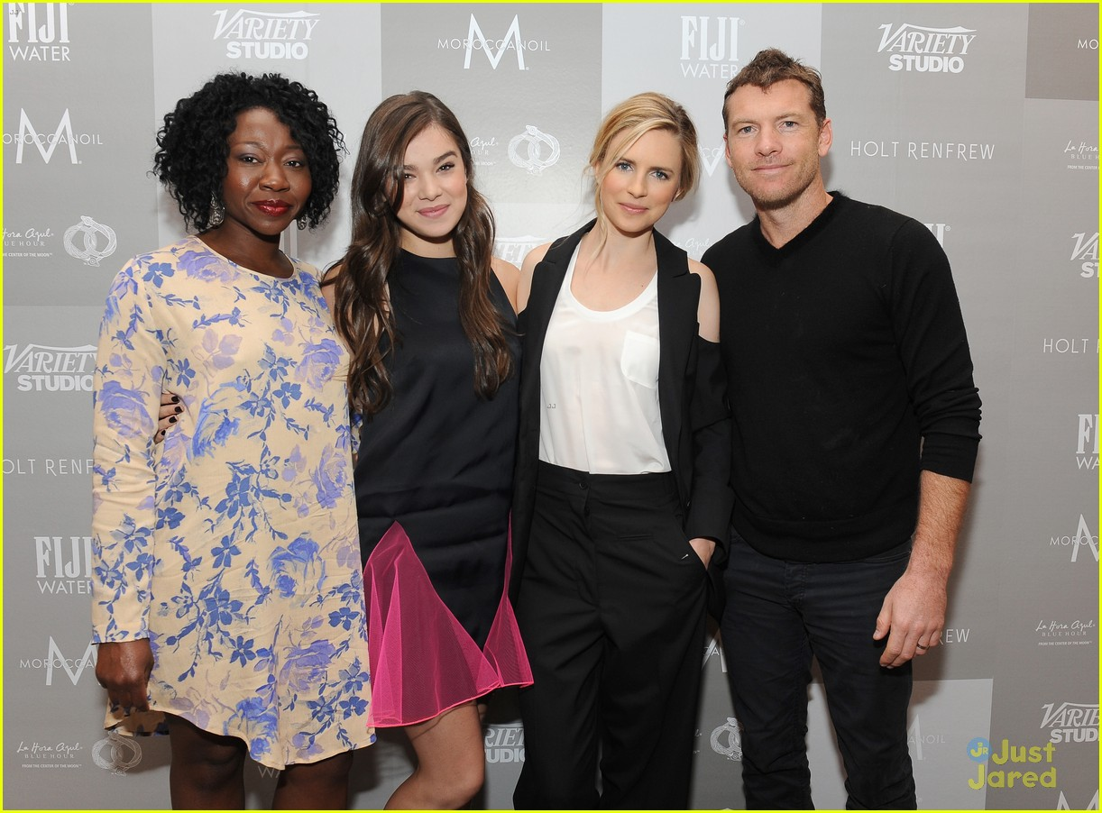 Hailee Steinfeld Premieres \'The Keeping Room\' at TIFF 2014   Photo ...