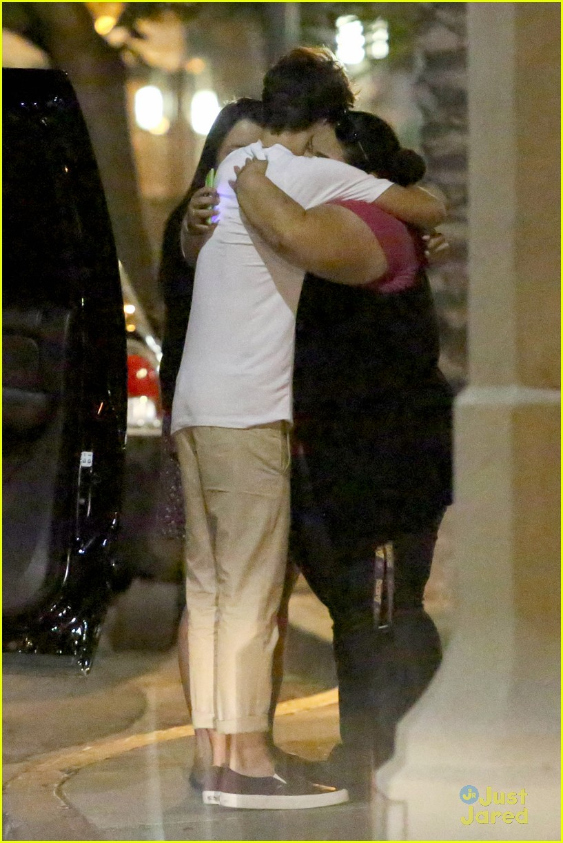 nathan sykes hugs fans west hollywood 12