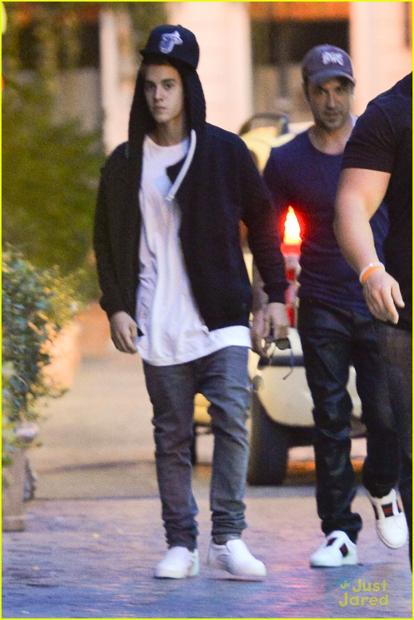 justin bieber dad jeremy become tourists in rome 19
