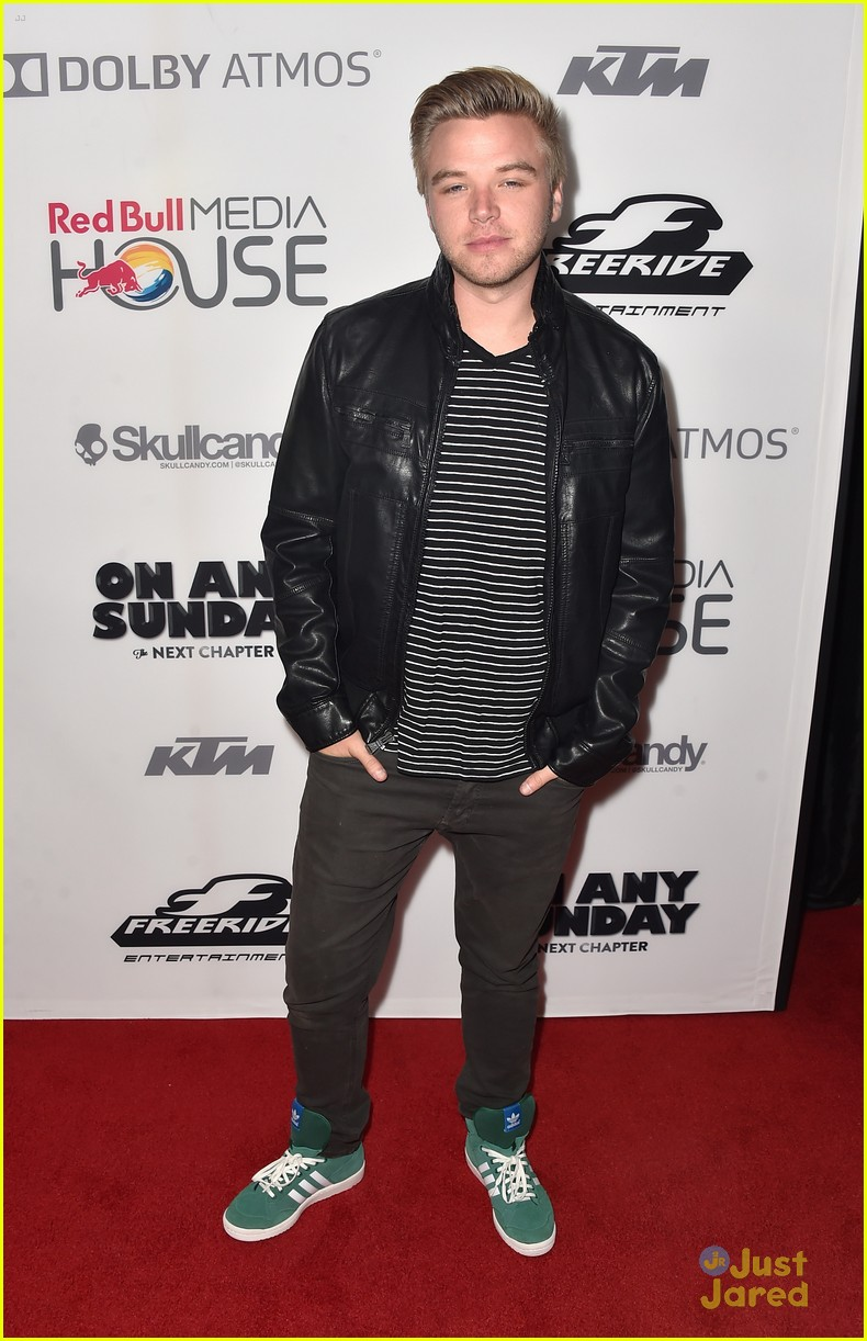 brett davern on any sunday screening 01