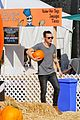 harry styles goes pumpkin picking with erin foster 14