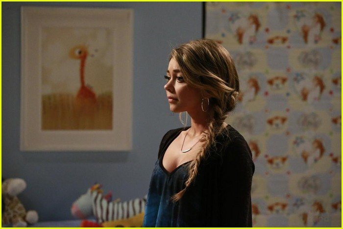 Modern Family Art Gallery Episode