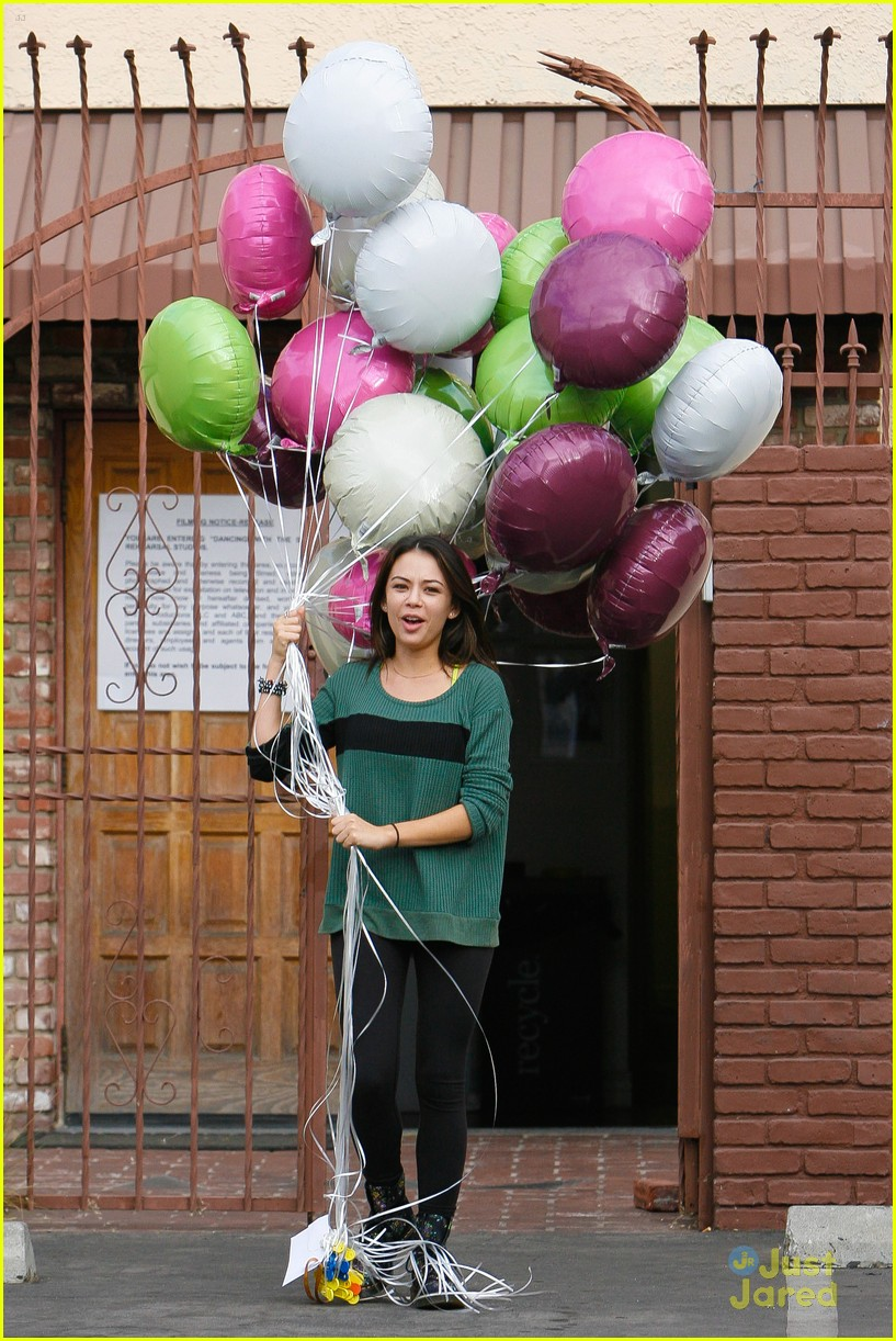 Val Chmerkovskiy Got Janel Parrish 26 Balloons For Her Birthday It Looked Like A Deleted Scene From Up