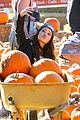 kelli berglund picking pumpkins 02