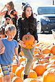 kelli berglund picking pumpkins 08