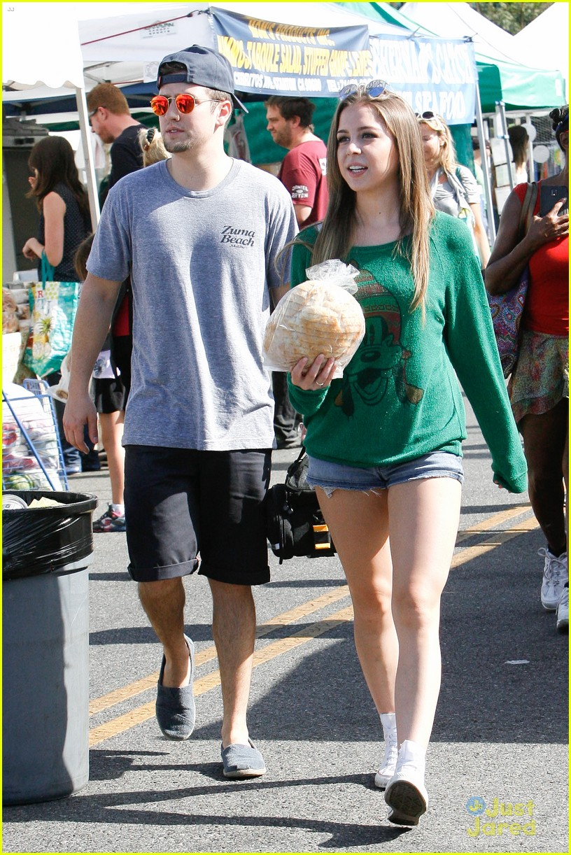logan henderson mackenzie vega new couple kiss 14