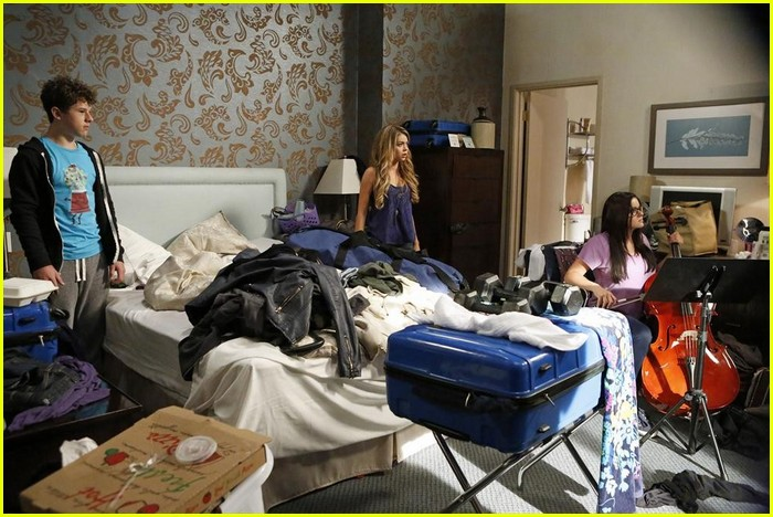 Incroyable Modern Family Hotel Marco Polo Modern Family Stills 07