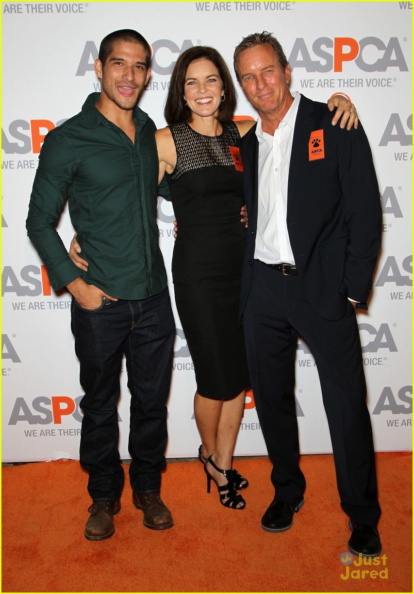 tyler posey nolan funk aspca auction dinner 08