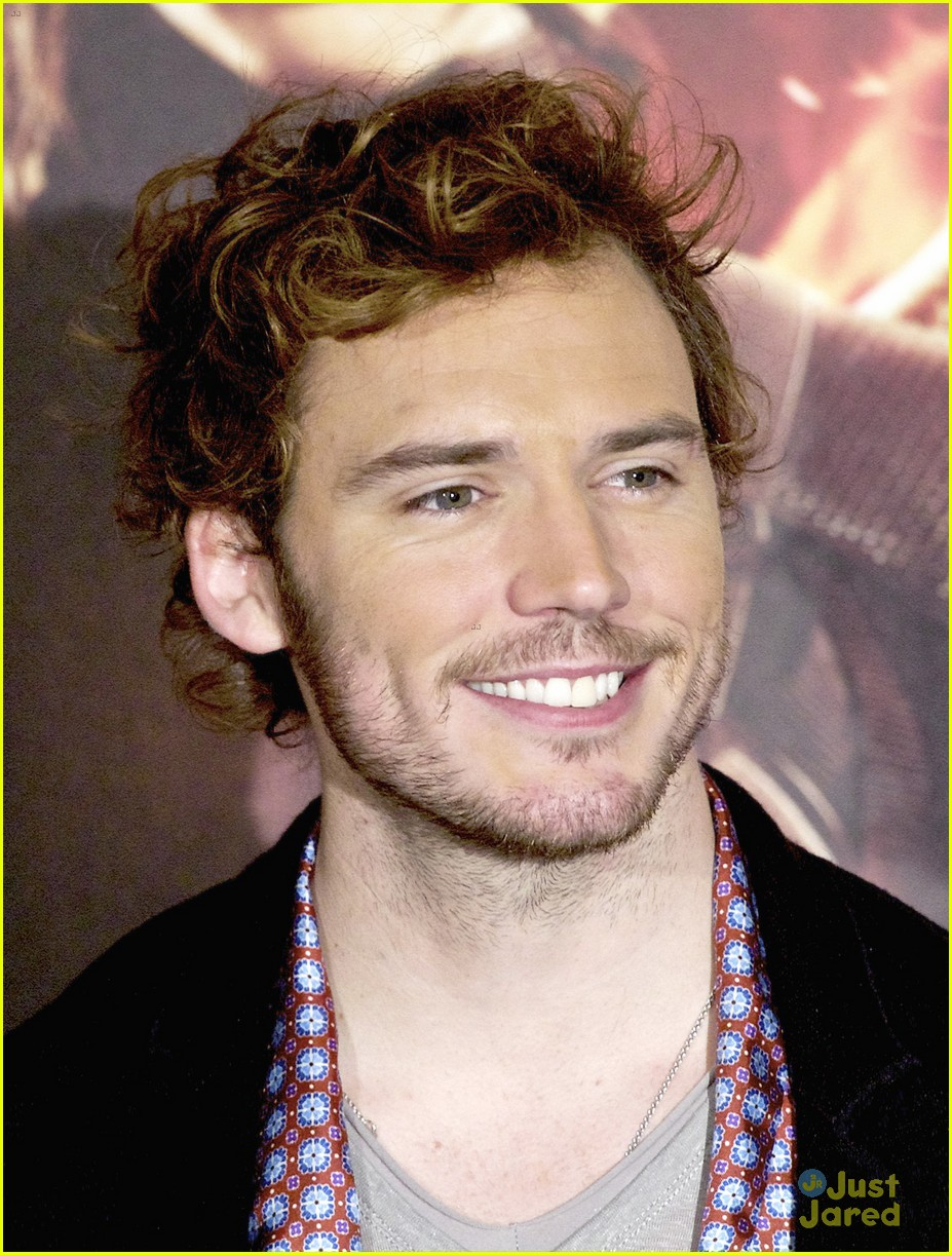 sam claflin opens up on giving up soccer dream 04