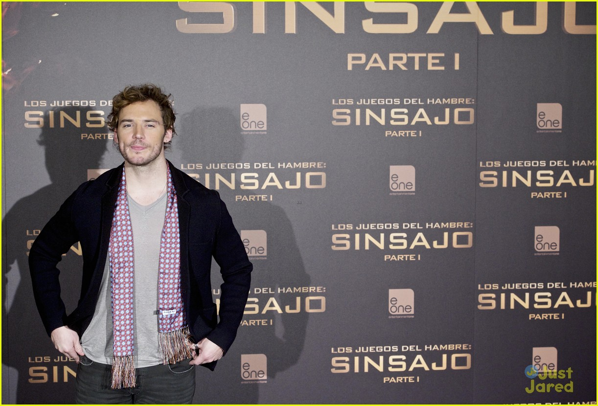 sam claflin opens up on giving up soccer dream 12