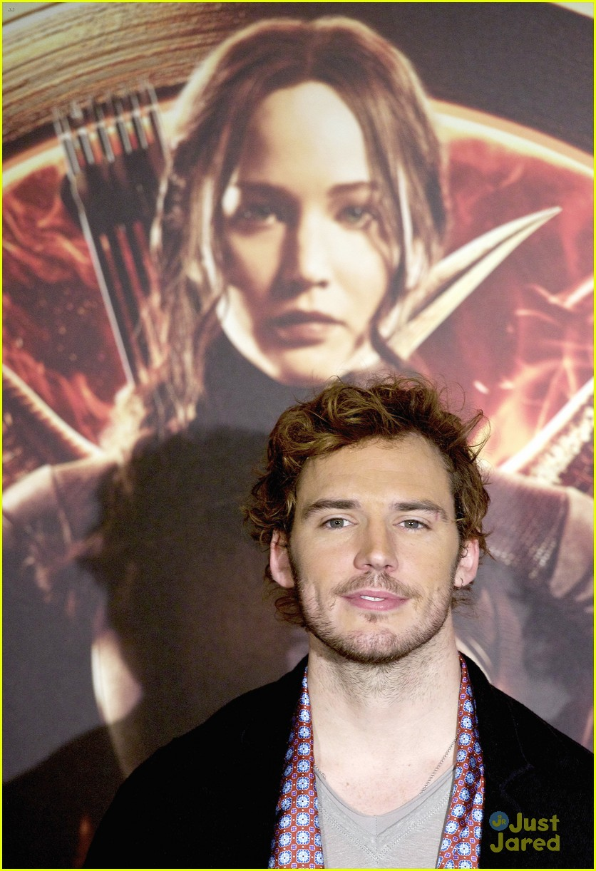 sam claflin opens up on giving up soccer dream 15