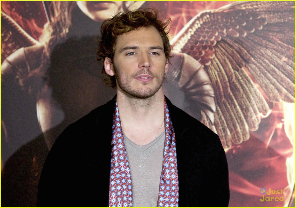 sam claflin opens up on giving up soccer dream 17