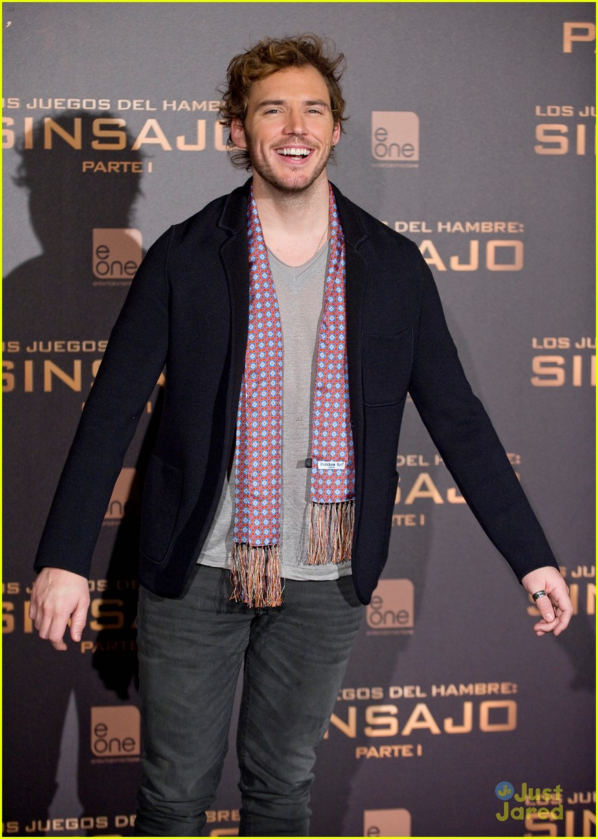 sam claflin opens up on giving up soccer dream 21