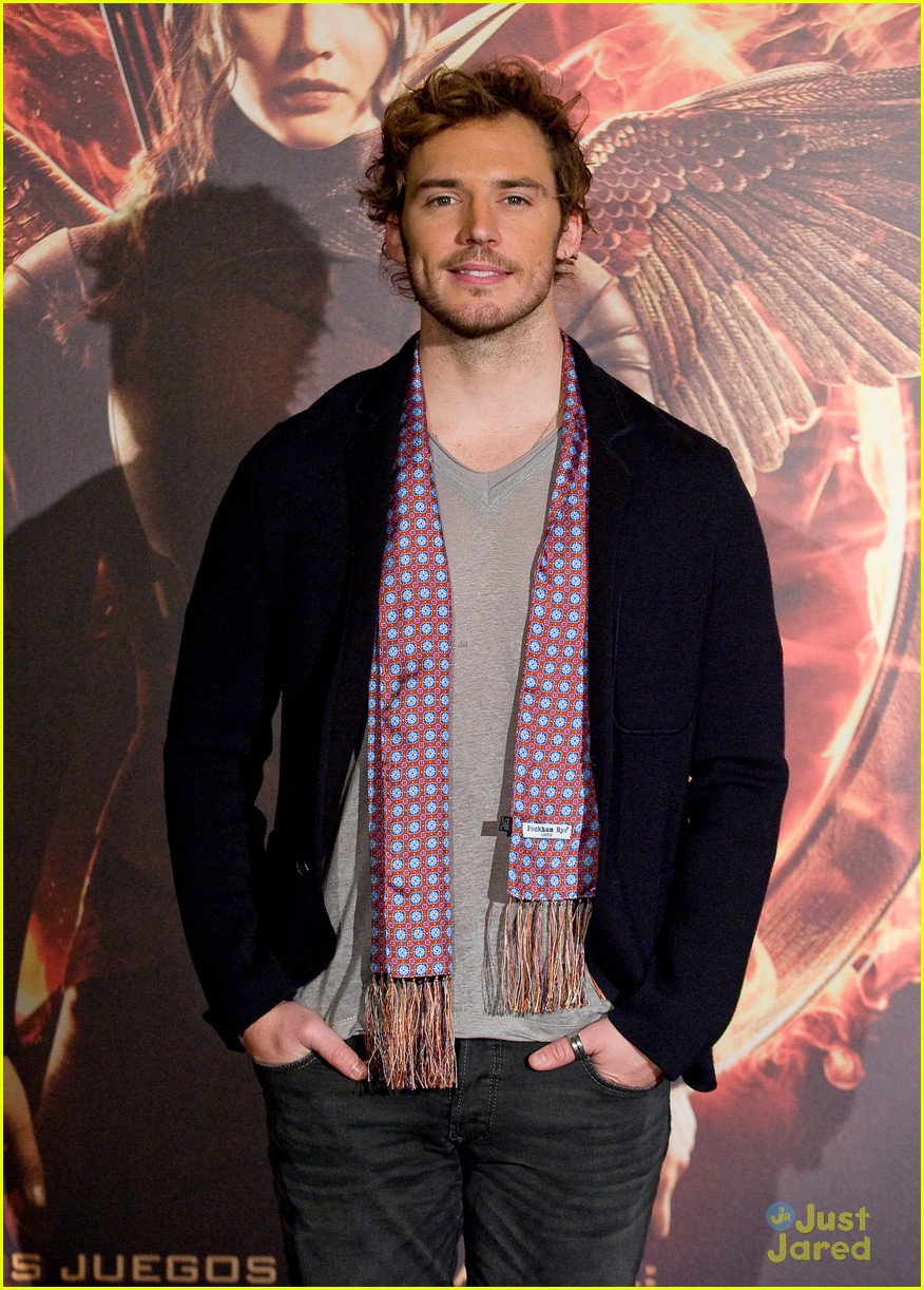 sam claflin opens up on giving up soccer dream 24