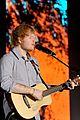 ed sheeran sang thinking out loud pub 02