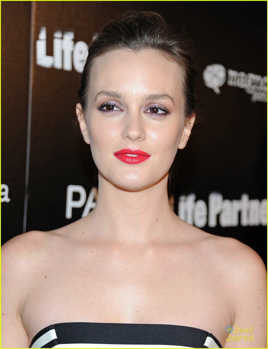 leighton meester gillian jacobs life partners premiere 07