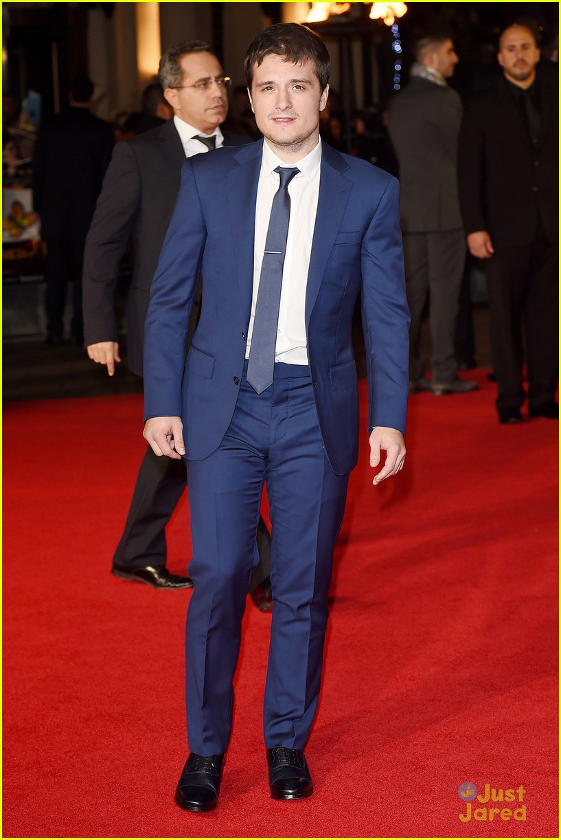 liam hemsworth josh hutcherson mockingjay london premiere 03