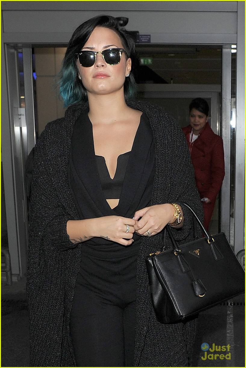 demi lovato excited to see european lovatics 04