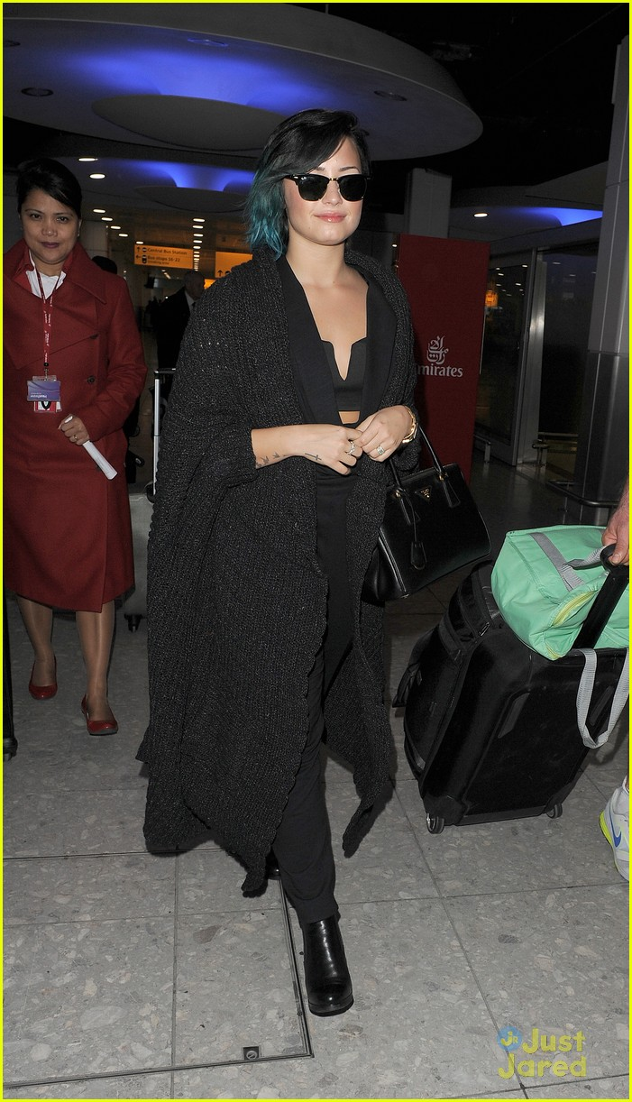 demi lovato excited to see european lovatics 10