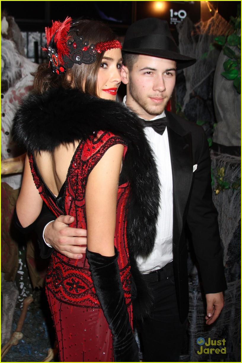 Nick Jonas & Olivia Culpo Couple It Up For Halloween In Vegas ...