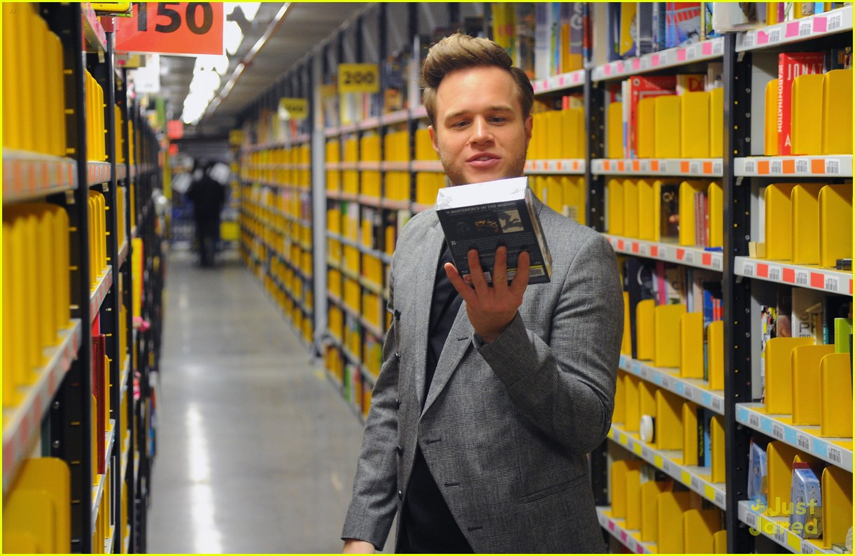 Olly Murs Sang For Amazon's Fulfillment Center in Hempstead