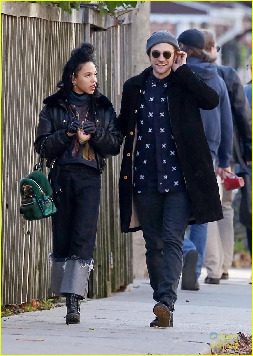How Long Has Robert Pattinson Been Dating Fka Twigs