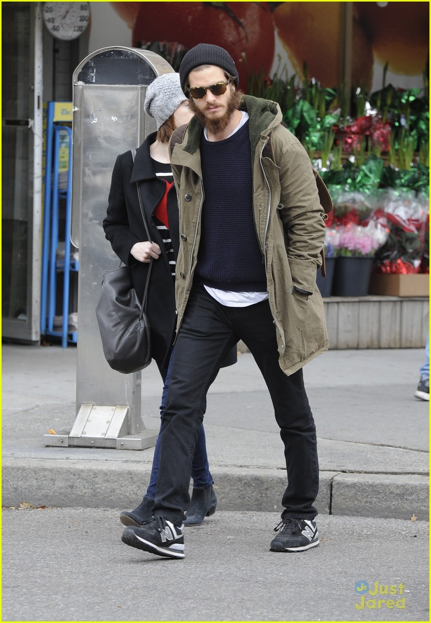 emma stone andrew garfield get alone time 02