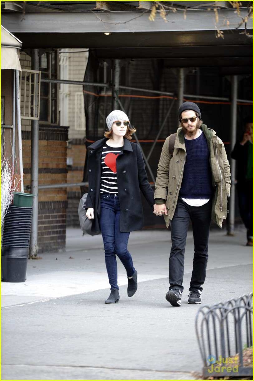 emma stone andrew garfield get alone time 03