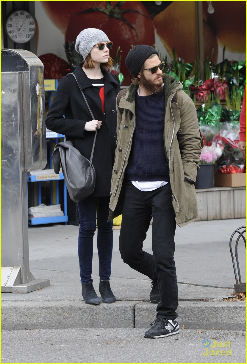 emma stone andrew garfield get alone time 04