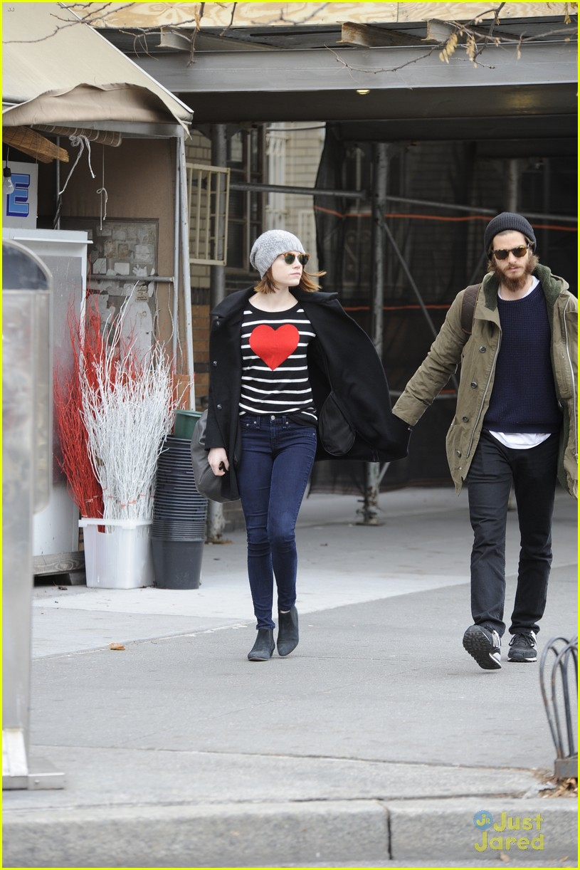 emma stone andrew garfield get alone time 12
