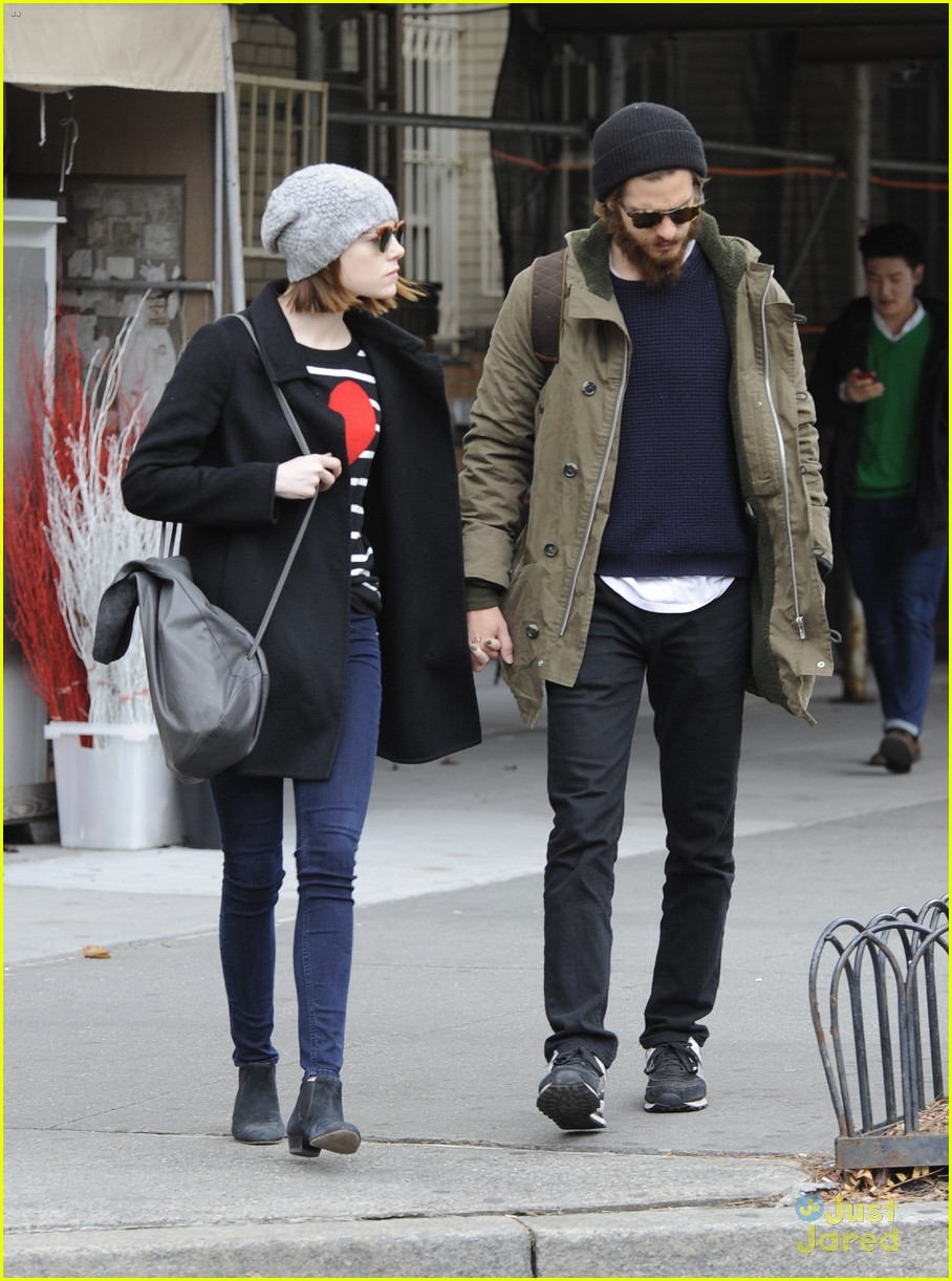 emma stone andrew garfield get alone time 16